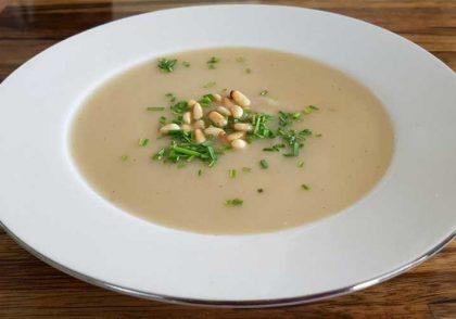 طرز تهیه سوپ گل کلم خامه ای