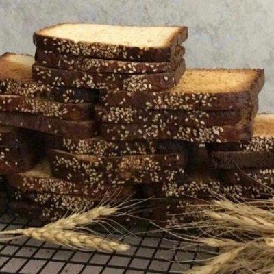 طرز تهیه نان سوخاری شیرین